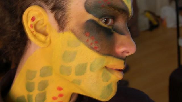 body painting: lagarto